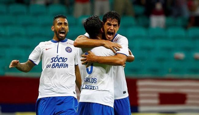 Jogadores do tricolor comemoram único gol da partida - Foto: Eduardo Martins | Ag. A TARDE