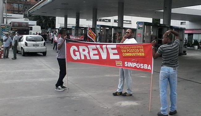 Concentração acontece desde as 5h no Posto Mataripe, na avenida Bonocô - Foto: Edilson Lima   Ag. A TARDE