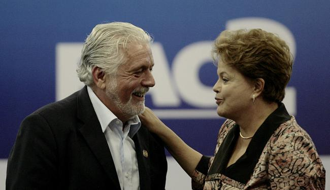 Um dos coordenadores da campanha de Dilma, Wagner não vê necessidade de mudar rumo da campanha - Foto: Raul Spinassé / Ag. A TARDE