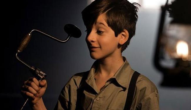 Lino Facioli interpreta Fernando/Odnanref quando criança - Foto: Reprodução