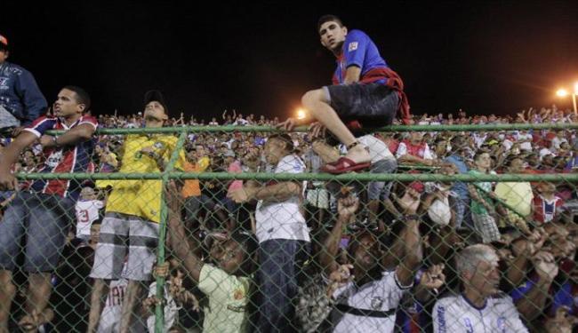 Incidente aconteceu no jogo contra o Santos, no dia 29 de maio, pelo Brasileiro - Foto: Lucio Távora  Ag. A TARDE