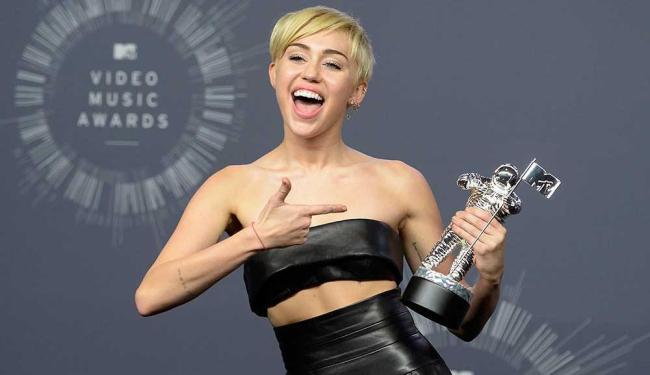 Cantora conquistou o prêmio com o vídeo do ano por