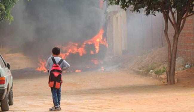 A linha que o ônibus incendiado fazia conta desde terça-feira com outro veículo - Foto: Lay Amorim | Brumado Notícias