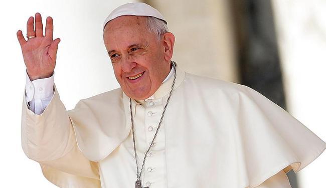 Jorge Bergoglio oficiará o matrimônio de vinte casais na Basílica de São Pedro - Foto: Agência Reuters