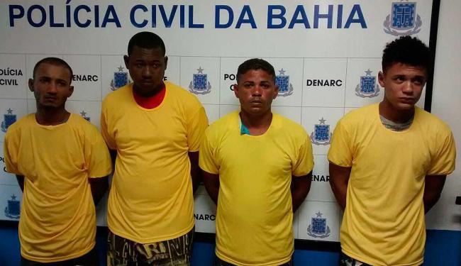 Grupo foi preso em flagrante quando embalava as drogas que seriam comercializadas - Foto: Divulgação   Ascom Polícia Civil