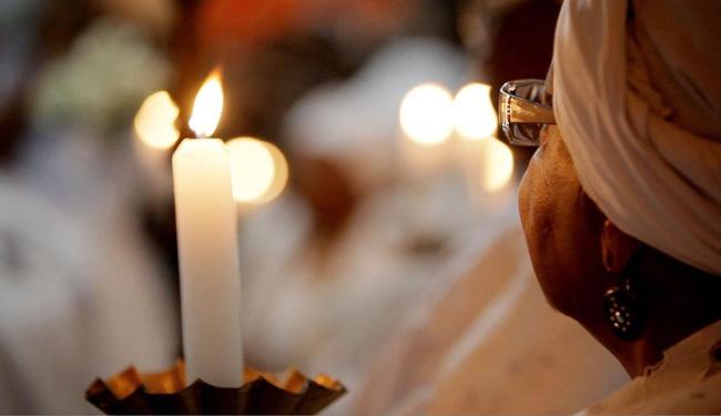 Cenas de procissão no documentário Retratos da Boa Morte - Foto: TVE | Divulgação