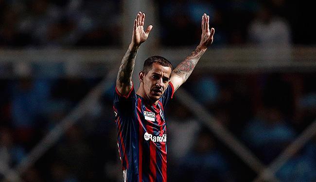 Romagnoli teria que ter chegado ao Bahia em julho, mas ficou no San Lorenzo para a Libertadores - Foto: Marcos Brindicci l Reuters