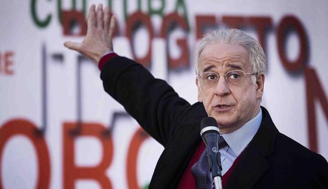 Toni Servillo interpreta um senador e o irmão que o substitui - Foto: Divulgação