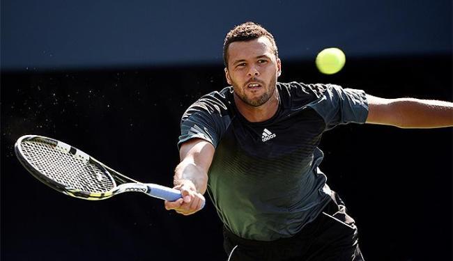 Tenista francês perdeu para Youzhny por 2 sets 0 - Foto: Peter Llewellyn l Reuters