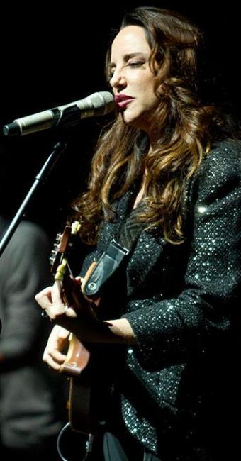 Com quase 15 anos de carreira, cantora Ana Carolina coleciona sucessos - Foto: Aiye | Divulgação