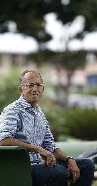 Antônio passou dois anos na fila até conseguir transplante duplo - Foto: Raul Spinassé | Ag. A TARDE | 25.09.2014