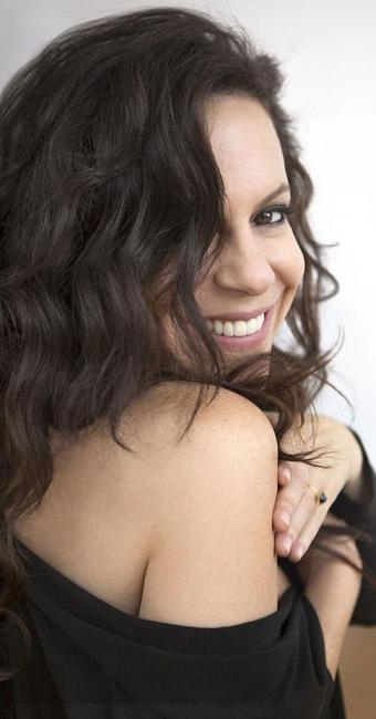 A cantora Bebel Gilberto em foto de divulgação do novo álbum - Foto: Sony Music | Divulgação