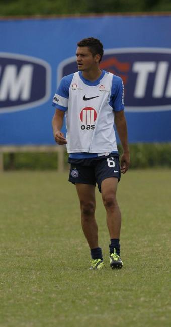 Lesionado, lateral Diego Macedo é um dos desfalques para o jogo contra o Cruzeiro - Foto: Marco Aurélio Martins | Ag. A TARDE