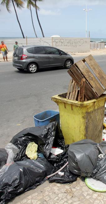 Descarte irregular de lixo será punido com multa até o final deste ano - Foto: Luciano da Matta | Ag. A TARDE