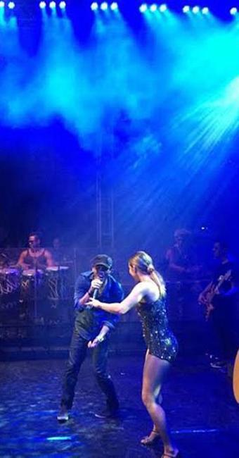 Cláudia Leitte e Rafa Chaves cantam juntos no Nana Fest - Foto: Divulgação   MC Comunicação