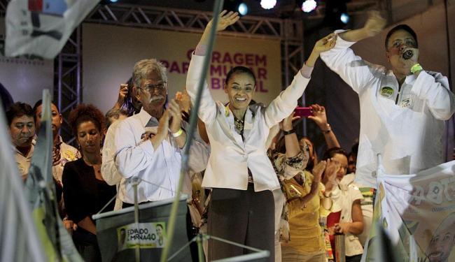 Marina durante comício no bairro Cajazeiras 10, em Salvador - Foto: Adilton Veneregoles | Ag. A TARDE