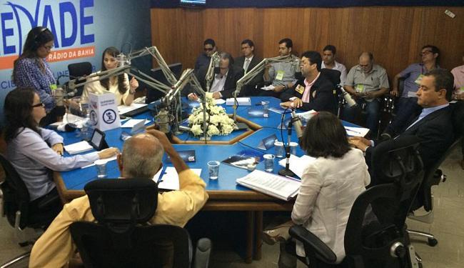 Candidatos ao governo da Bahia participam de debate na Rádio Sociedade - Foto: Raquel Chequer   Rádio Sociedade