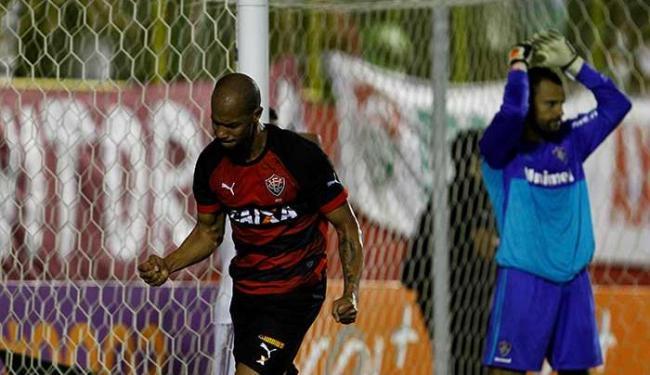 Dinei comemora primeiro gol do Vitória contra o Fluminense - Foto: Eduardo Martins   Ag. A TARDE