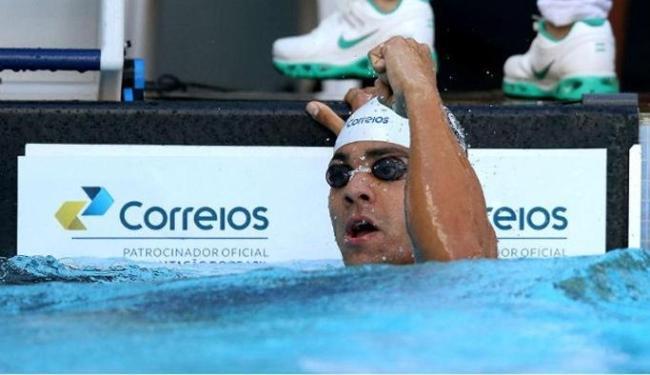 O nadador bateu dois recordes sul-americanos na mesma prova - Foto: Divulgação   CBDA