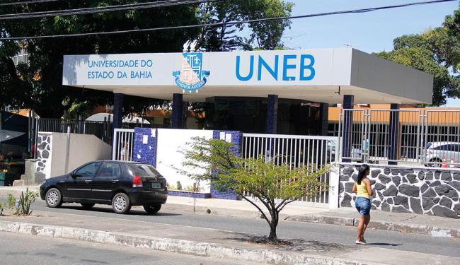 O candidato deve apresentar os documentos na secretaria do programa, no Campus I, em Salvador - Foto: Joá Souza   Ag. A TARDE