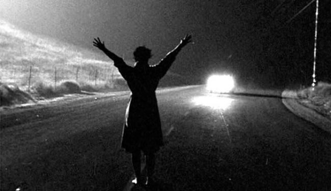A Morte Num Beijo, de Robert Aldrich, é um dos filmes noir lançados - Foto: Divulgação