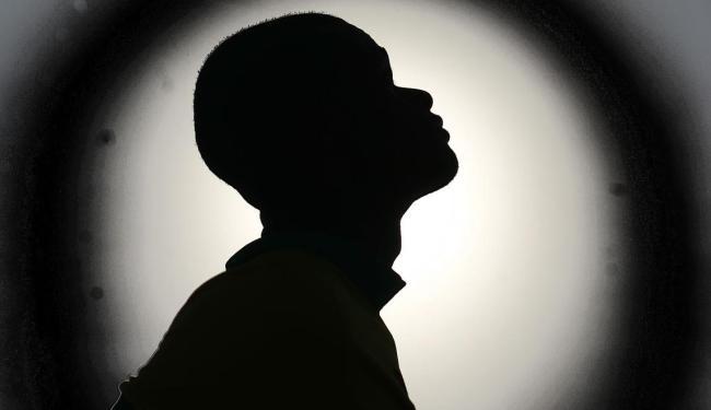 Pnad mostra que as pessoas que se declaram pretas somam 8,1% da população brasileira - Foto: Arte sobre foto de Raul Spinassé   Ag. A TARDE