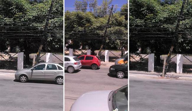 Poste na Rua Professor Milton Cayres de Brito ameaça cair a qualquer momento - Foto: | Ag. A TARDE