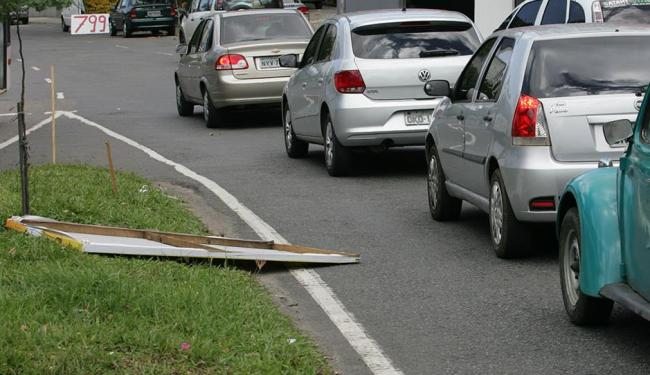 Legislação proíbe que propaganda eleitoral afete o trânsito - Foto: Luciano da Mata | Ag. A TARDE