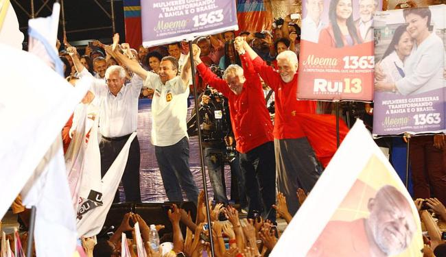 Lula e Wagner reforçaram nos discursos as candidaturas de Rui, ao governo, e Otto, ao Senado - Foto: Margarida Neide | Ag. A TARDE
