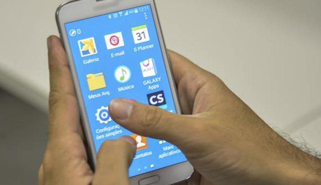Eleitor não vai poder votar portando smartphones ou tablets - Foto: Marcello Casal Jr | Agência Brasil