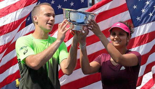 Soares e Mirza venceram a parceira Spears e Gonzalez por 2 sets 0 - Foto: Adam Hunger l Reuters