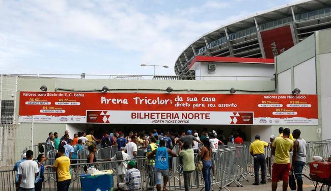 Torcida do Bahia formou fila ontem na Arena Fonte Nova - Foto: Fernando Amorim | Ag. A TARDE
