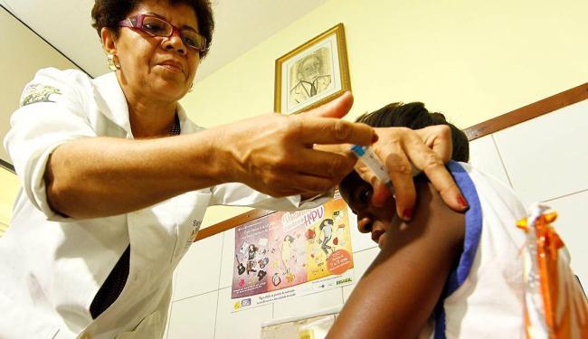 A primeira fase da campanha, que foi feita entre março e abril deste ano, beneficiou 48 mil jovens - Foto: Eduardo Martins | Ag. A TARDE | 12.3.2014