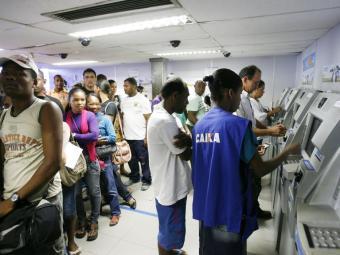 Caixa vai operar até dezembro com taxas especiais para os financiamentos de veículos - Foto: Luiz Tito | Ag. A TARDE | 22.07.2011