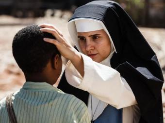 Bianca Comparato atriz interpreta a religiosa na juventude - Foto: Ique Esteves | Divulgação