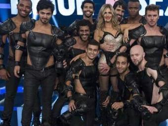 Fernanda Lima postou a foto da gravação do programa no Facebook - Foto: Reprodução | Facebook