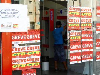 No ano passado os bancários promoveram uma greve nacional que durou 23 dias - Foto: Eduardo Martins | Ag. A TARDE
