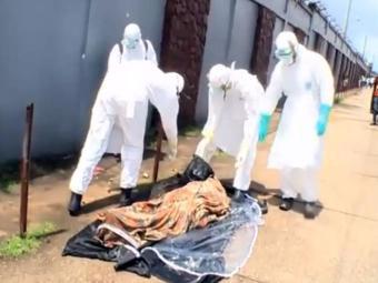 Equipe de resgate se preparava para fazer a remoção do corpo - Foto: Reprodução   Youtube