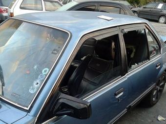 Vítima estava dentro do carro quando foi atingido pelos disparos - Foto: Aldo Matos   Acorda Cidade
