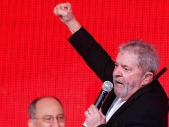 O ex-presidente comparou os tucanos a nazistas durante comício no Recife - Foto: Eraldo Peres | AP Photo | 03.07.2014
