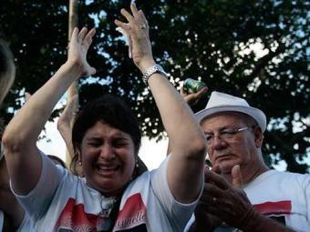 Marinúbia Gomes, mãe de Emanuel e Emanuelle, pretende visitar túmulo dos filhos neste sábado - Foto: Raul Spinassé   Ag. A TARDE