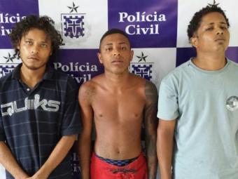 Irmão e comparsa foram autuados em flagrante por tráfico, posse de arma e formação de quadrilha - Foto: Ascom   Polícia Civil