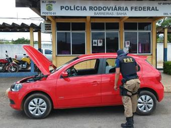 Homem dirigia um veículo Gol, com placas de Brasília - Foto: Nucom | PRF