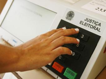 Segundo balanço do TSE, Bahia teve apenas uma urna quebrada - Foto: Iracema Chequer | Ag. A TARDE | Arquivo