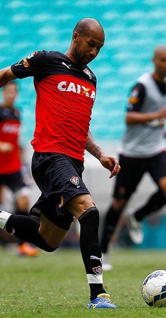 Dinei, autor do gol contra o rival em 2013, está confirmado - Foto: Eduardo Martins l Ag. A TARDE