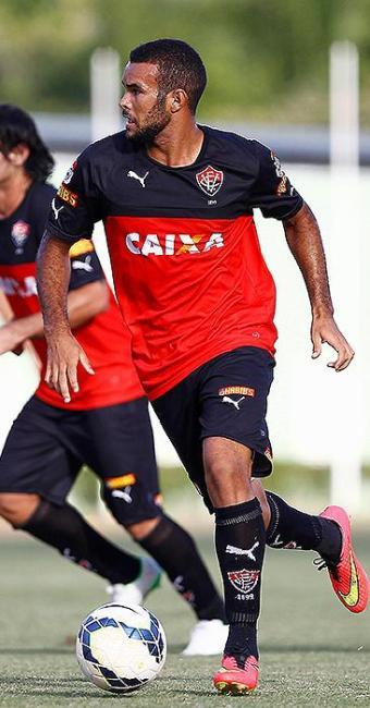José Wellison disputa vaga no time com Luiz Gustavo - Foto: Eduardo Martins | Ag. A TARDE