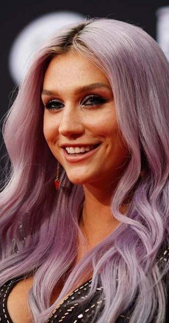 Kesha acusa o produtor Dr. Luke de tê-la forçado a usar drogas e fazer sexo com ele - Foto: David McNew | Agência Reuters