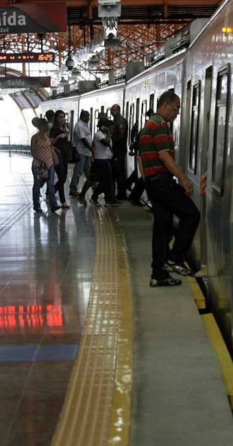 Metrô segue em operação assistida e acesso permanece gratuito - Foto: Adilton Venegeroles | Ag. A TARDE
