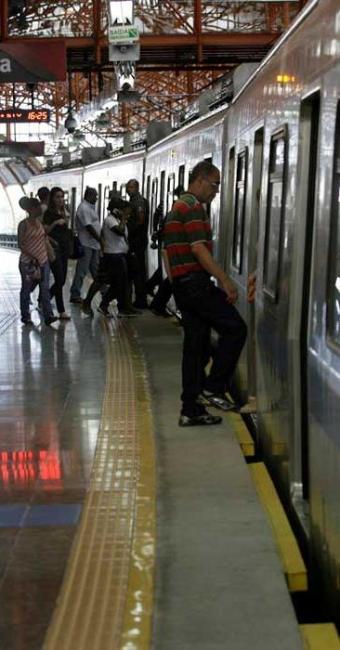 Metrô segue em operação assistida e acesso permanece gratuito - Foto: Adilton Venegeroles   Ag. A TARDE