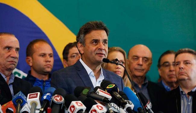 Aécio agradeceu a todos os brasileiros, em particular aos mais de 50 milhões que votaram nele - Foto: Sergio Moraes | Agência Reuters